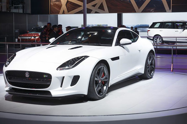 2015 Jaguar F-Type at Delhi Auto Expo
