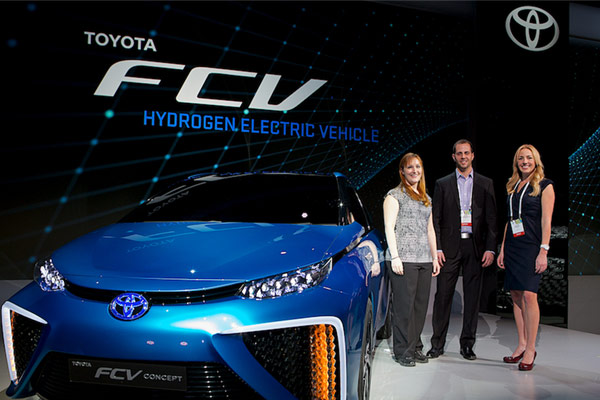 Toyota FCV at CES 2014