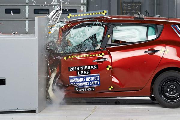 2014 Nissan Leaf Crash Test