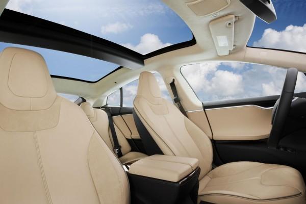 2014 Tesla Model S interior