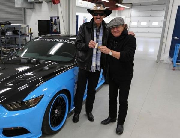Petty's Garage Mustang GT