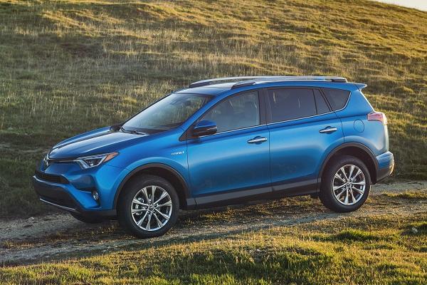 2015_NYIAS_2016_Toyota_RAV4_Hybrid_023