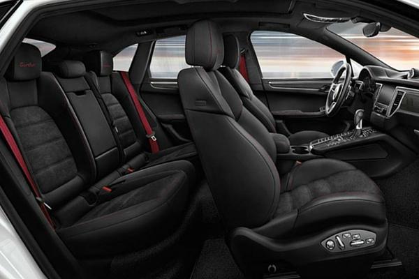 2016 Porsche Macan Turbo interior