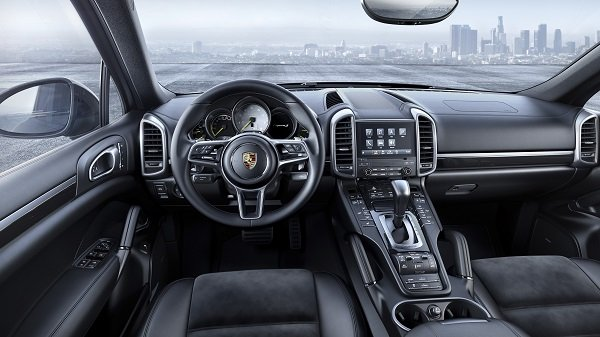 2017 Porsche Cayenne Platinum Edition interior