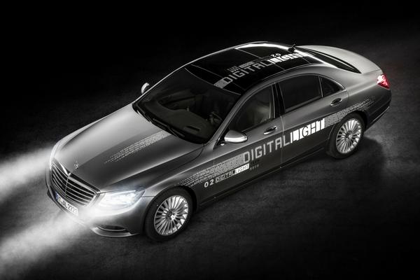Mercedes HD headlight technology