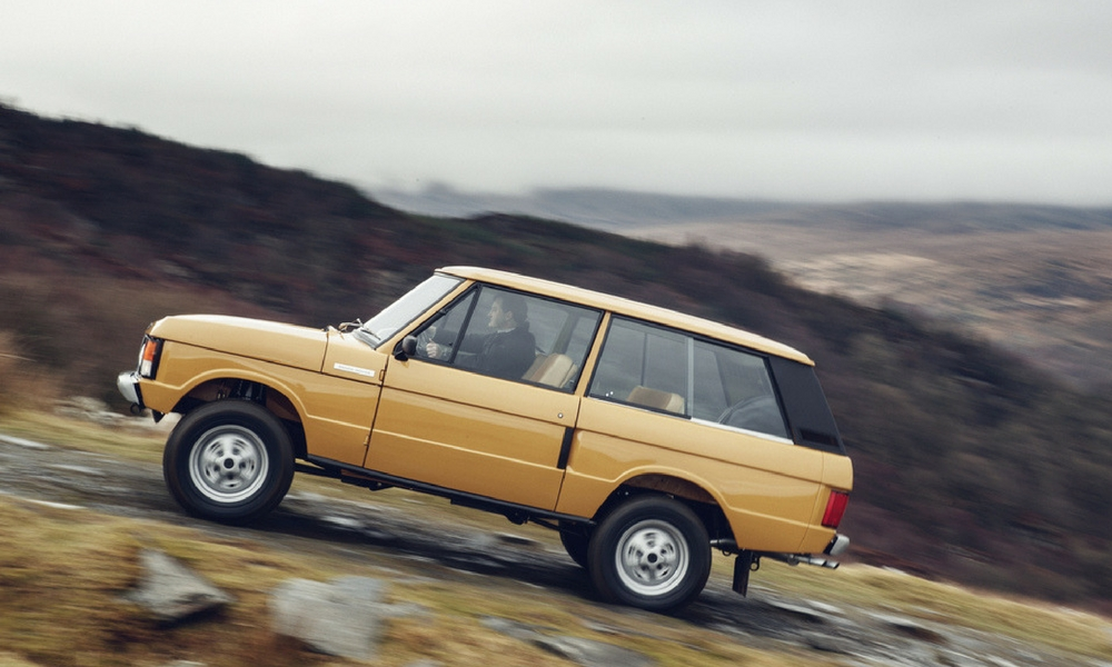 Land Rover Is Restoring First Gen Range Rovers Insider
