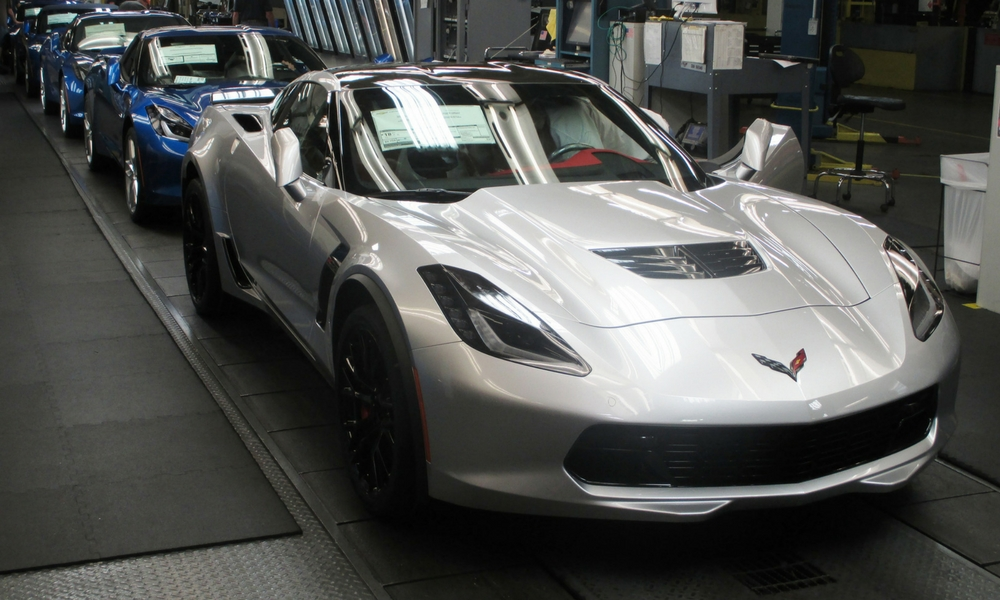 GM Preparing For C8 Corvettes – Insider Car News