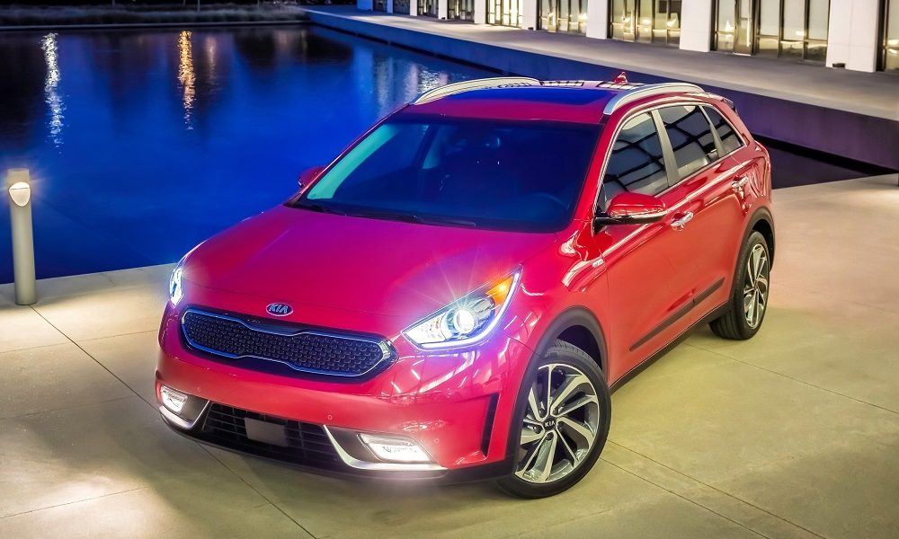 2018 kia niro touring review insider car news. Black Bedroom Furniture Sets. Home Design Ideas