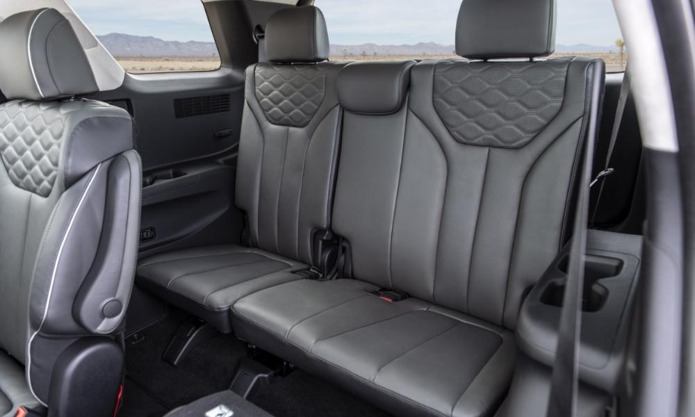 hyundai  large   palisade suv insider car news